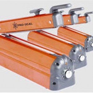 Heavy duty tabletop heatsealers